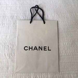 *FREE* Chanel shopping bag